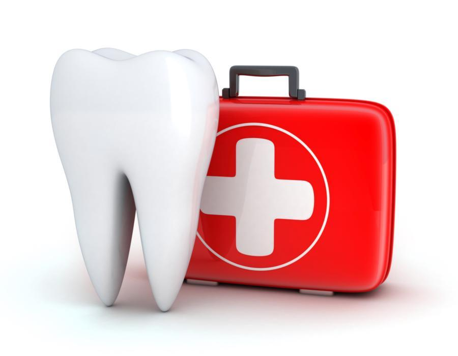 tooth with emergency kit | dental emergencies metairie la