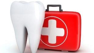 An image of a tooth and a first-aid kit | metairie la extractions